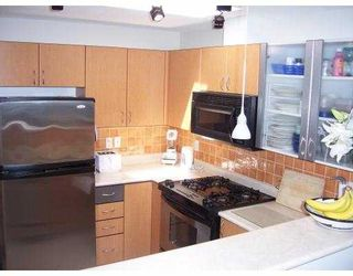 """Photo 4: 406 2741 E HASTINGS ST in Vancouver: Hastings East Condo for sale in """"THE RIVIERA"""" (Vancouver East)  : MLS®# V598537"""