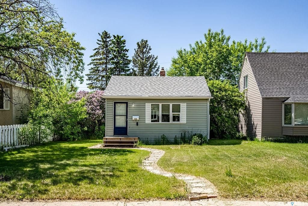 Main Photo: 1435 1st Avenue North in Saskatoon: Kelsey/Woodlawn Residential for sale : MLS®# SK860074