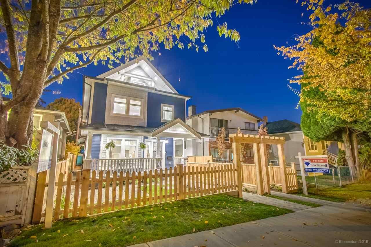 Main Photo: 943 E 14TH Avenue in Vancouver: Mount Pleasant VE 1/2 Duplex for sale (Vancouver East)  : MLS®# R2319114