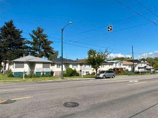 Photo 3: 821 NANAIMO Street in Vancouver: Hastings House for sale (Vancouver East)  : MLS®# R2576331