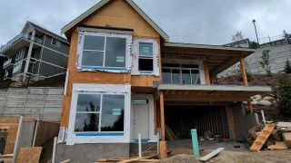 """Main Photo: 8 4217 OLD CLAYBURN Road in Abbotsford: Abbotsford East House for sale in """"Sunset Ridge"""" : MLS®# R2562584"""