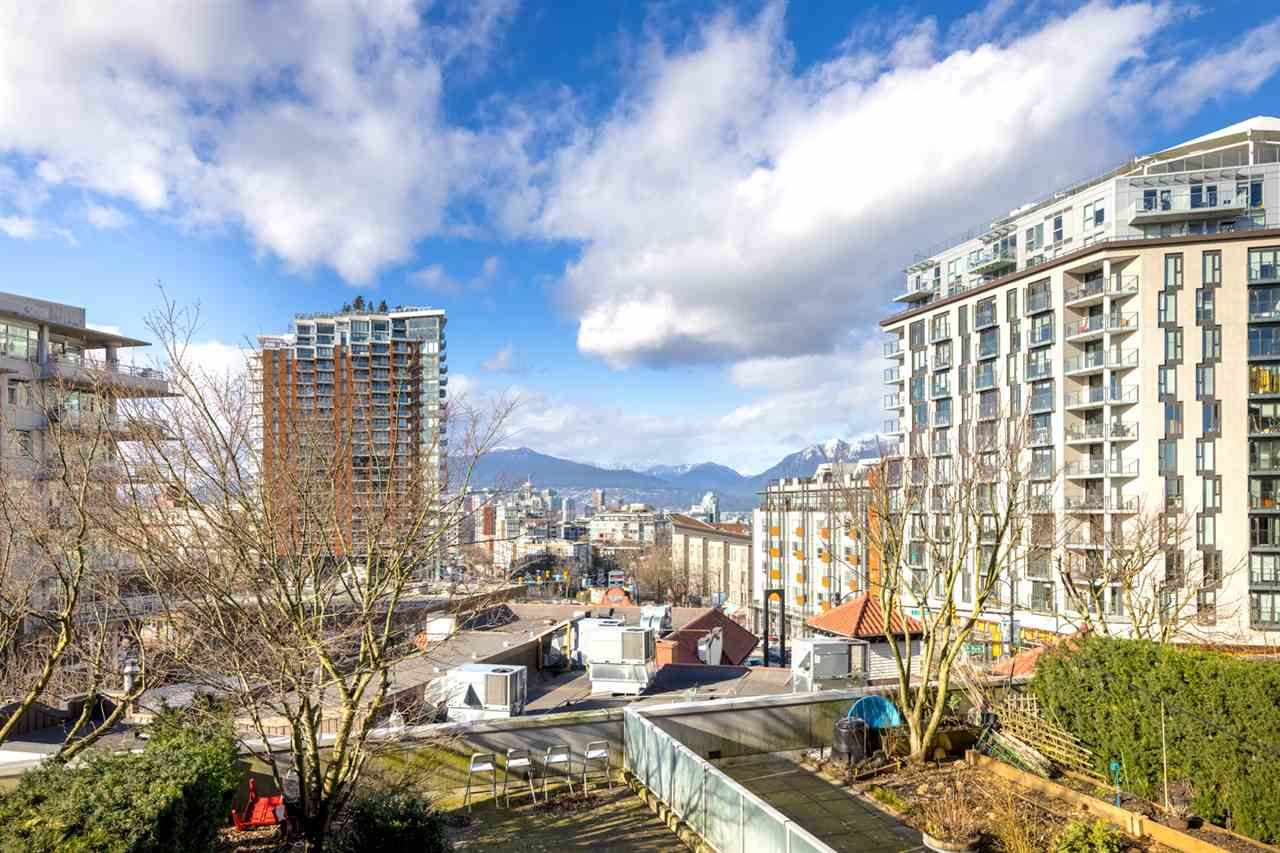 "Main Photo: 402 2770 SOPHIA Street in Vancouver: Mount Pleasant VE Condo for sale in ""STELLA"" (Vancouver East)  : MLS®# R2544205"