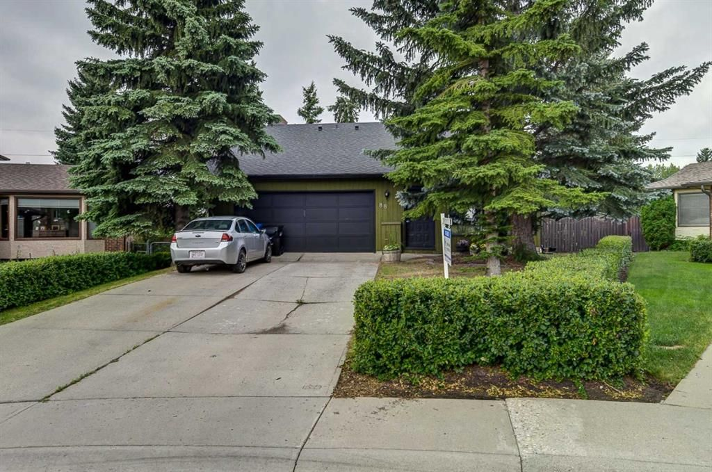 Main Photo: 88 Berkley Rise NW in Calgary: Beddington Heights Detached for sale : MLS®# A1127287