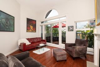 """Photo 2: 401 1924 COMOX Street in Vancouver: West End VW Condo for sale in """"WINDGATE by the PARK"""" (Vancouver West)  : MLS®# R2617561"""