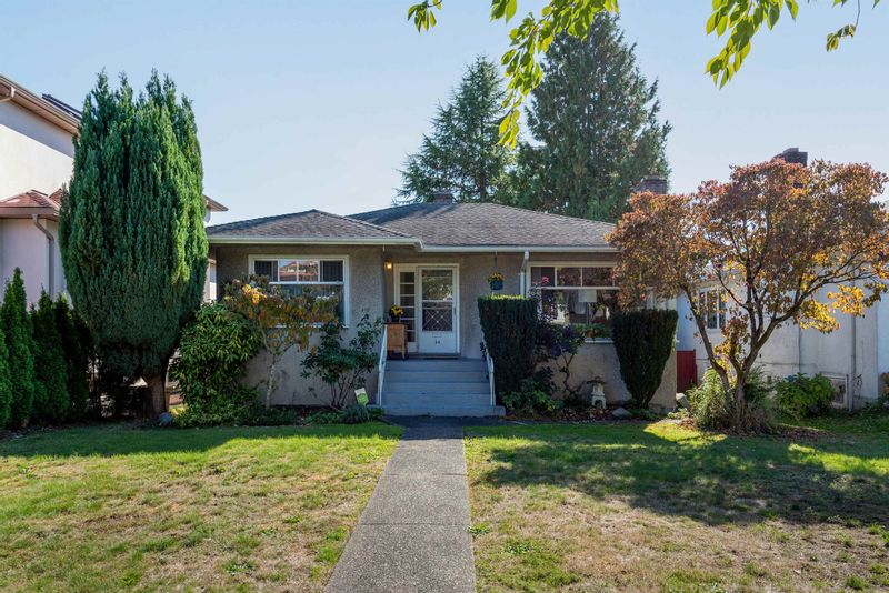 FEATURED LISTING: 34 47TH Avenue West Vancouver