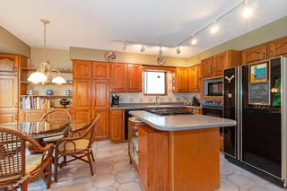 """Photo 5: 3091 HOSKINS Road in North Vancouver: Lynn Valley House for sale in """"Lynn Valley"""" : MLS®# R2465736"""