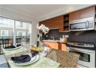 """Photo 7: 89 15833 26TH Avenue in Surrey: Grandview Surrey Townhouse for sale in """"BROWNSTONES"""" (South Surrey White Rock)  : MLS®# F1433090"""