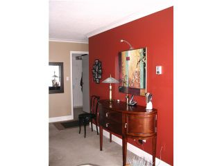 """Photo 4: 303 2545 LONSDALE Avenue in North Vancouver: Upper Lonsdale Condo for sale in """"LEXINGTON"""" : MLS®# V943692"""
