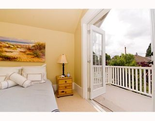 """Photo 9: 1949 ADANAC Street in Vancouver: Grandview VE House for sale in """"COMMERCIAL DRIVE"""" (Vancouver East)  : MLS®# V652514"""