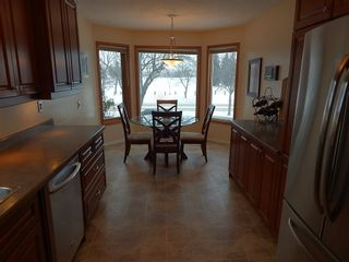Photo 5: 324 Columbia Drive in Winnipeg: House for sale : MLS®# 1803379