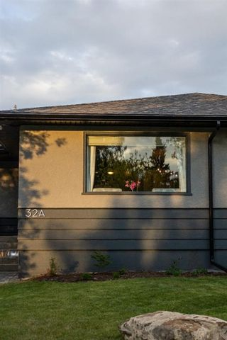 Photo 3: 32A Wellington Place SW in Calgary: Wildwood Semi Detached for sale : MLS®# A1117733