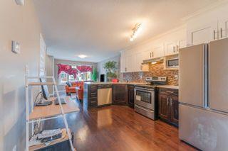 Photo 8: 10421 155 Street in Edmonton: Zone 21 House Half Duplex for sale : MLS®# E4266259