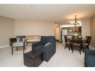 "Photo 8: 215 11605 227 Street in Maple Ridge: East Central Condo for sale in ""Hillcrest"" : MLS®# R2372554"