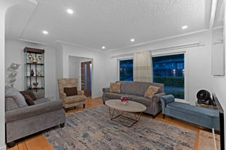 Photo 4: 965 BEAUMONT Drive in North Vancouver: Edgemont House for sale : MLS®# R2624946