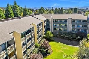 Photo 1: 308 3277 Quadra St in : SE Maplewood Condo for sale (Saanich East)  : MLS®# 856114
