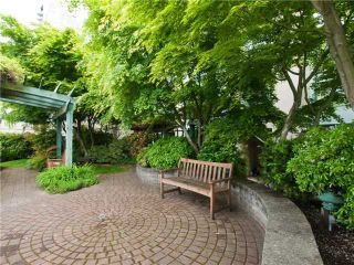 "Photo 9: 202 212 LONSDALE Avenue in North Vancouver: Lower Lonsdale Condo for sale in ""Two One Two"" : MLS®# V893037"