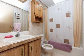 Photo 17: 5 1536 Middle Rd in View Royal: VR Glentana Manufactured Home for sale : MLS®# 775203