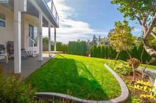 Photo 17: 8 709 Luscombe Pl in VICTORIA: Es Esquimalt House for sale (Esquimalt)  : MLS®# 825765