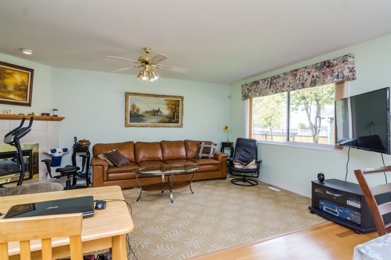 Photo 8: Photos: 15883 108TH Avenue in Surrey: Fraser Heights House for sale (North Surrey)  : MLS®# R2118938