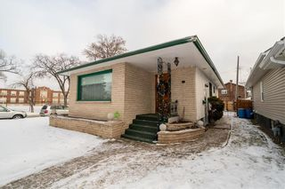 Photo 1: 787 BANNING Street in Winnipeg: Sargent Park Residential for sale (5C)  : MLS®# 202029183