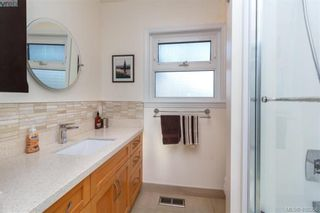 Photo 17: 704 Brookridge Pl in VICTORIA: SW Northridge House for sale (Saanich West)  : MLS®# 811584