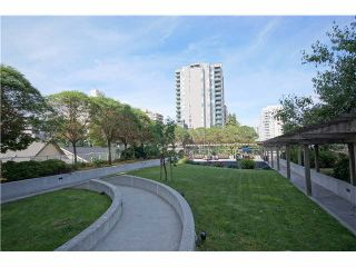"""Photo 18: 303 39 SIXTH Street in New Westminster: Downtown NW Condo for sale in """"Quantum By Bosa"""" : MLS®# V1135585"""