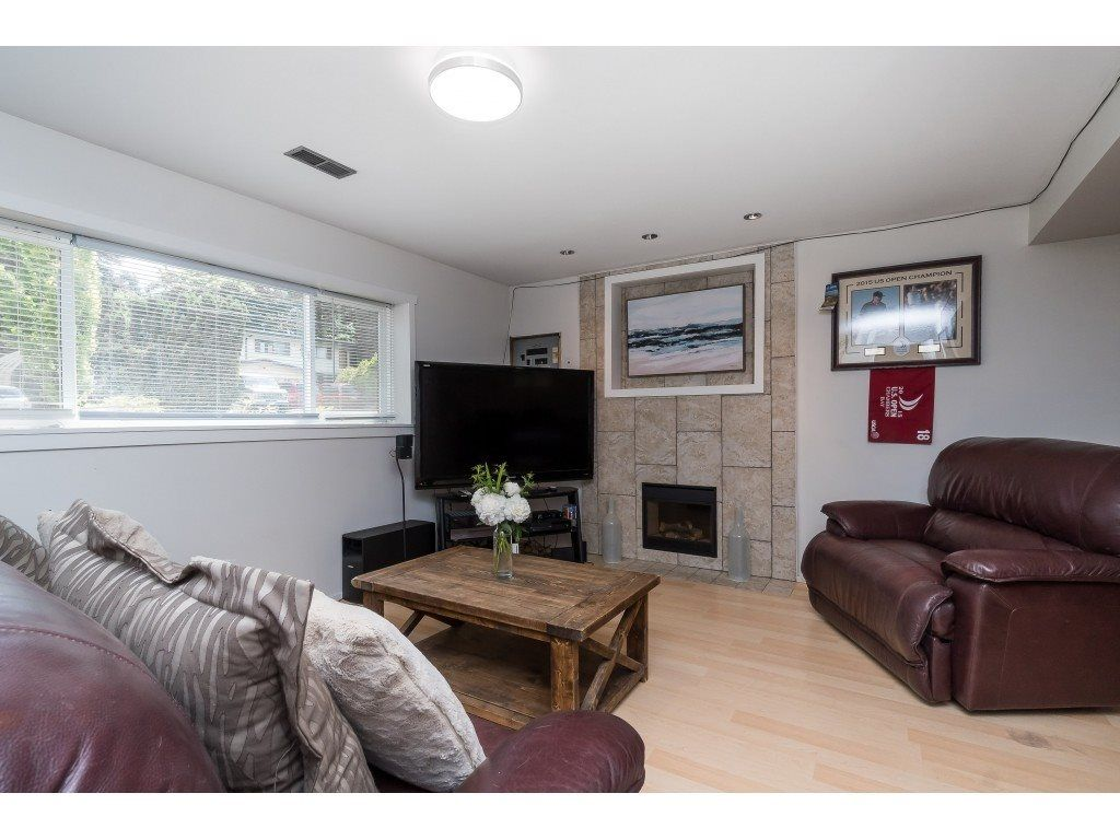 """Photo 17: Photos: 2669 VALEMONT Crescent in Abbotsford: Abbotsford West House for sale in """"West Clearbrook"""" : MLS®# R2460646"""