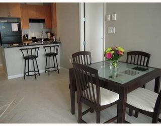 Photo 4: 902 6833 STATION HILL Drive in Burnaby South: South Slope Home for sale ()  : MLS®# V773658
