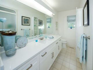 Photo 4: 6545 HILLSIDE CRESCENT in Delta: Sunshine Hills Woods House for sale (N. Delta)  : MLS®# R2014396