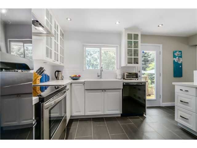 """Photo 3: Photos: 1361 E 15TH Street in North Vancouver: Westlynn House for sale in """"WESTLYNN"""" : MLS®# V1129244"""