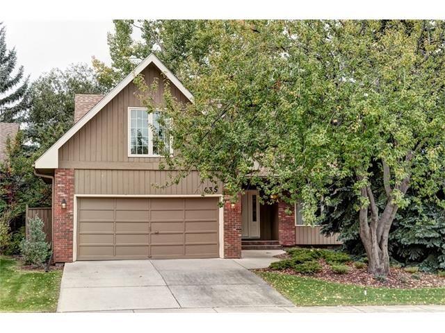 Main Photo: 435 OAKSIDE Circle SW in Calgary: Oakridge House for sale : MLS®# C4079692