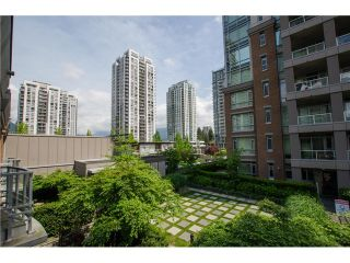 Photo 12: 305 1155 THE HIGH Street in Coquitlam: Home for sale : MLS®# V1123644