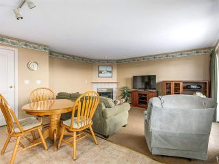 Photo 4: 21559 86 court in Langley: Walnut Grove House for sale : MLS®# R2137597
