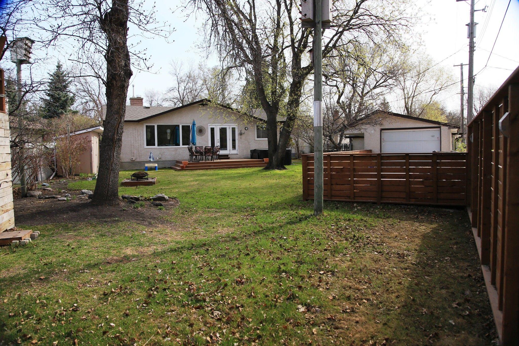 Photo 6: Photos: 1322 Valour Road in Winnipeg: Sargent Park Single Family Detached for sale (5C)  : MLS®# 1811835