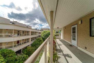 """Photo 3: 402 1350 COMOX Street in Vancouver: West End VW Condo for sale in """"Broughton Terrace"""" (Vancouver West)  : MLS®# R2474523"""