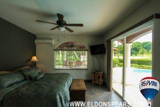 Photo 4: 4 Bedroom House on the Golf Course of Coronado