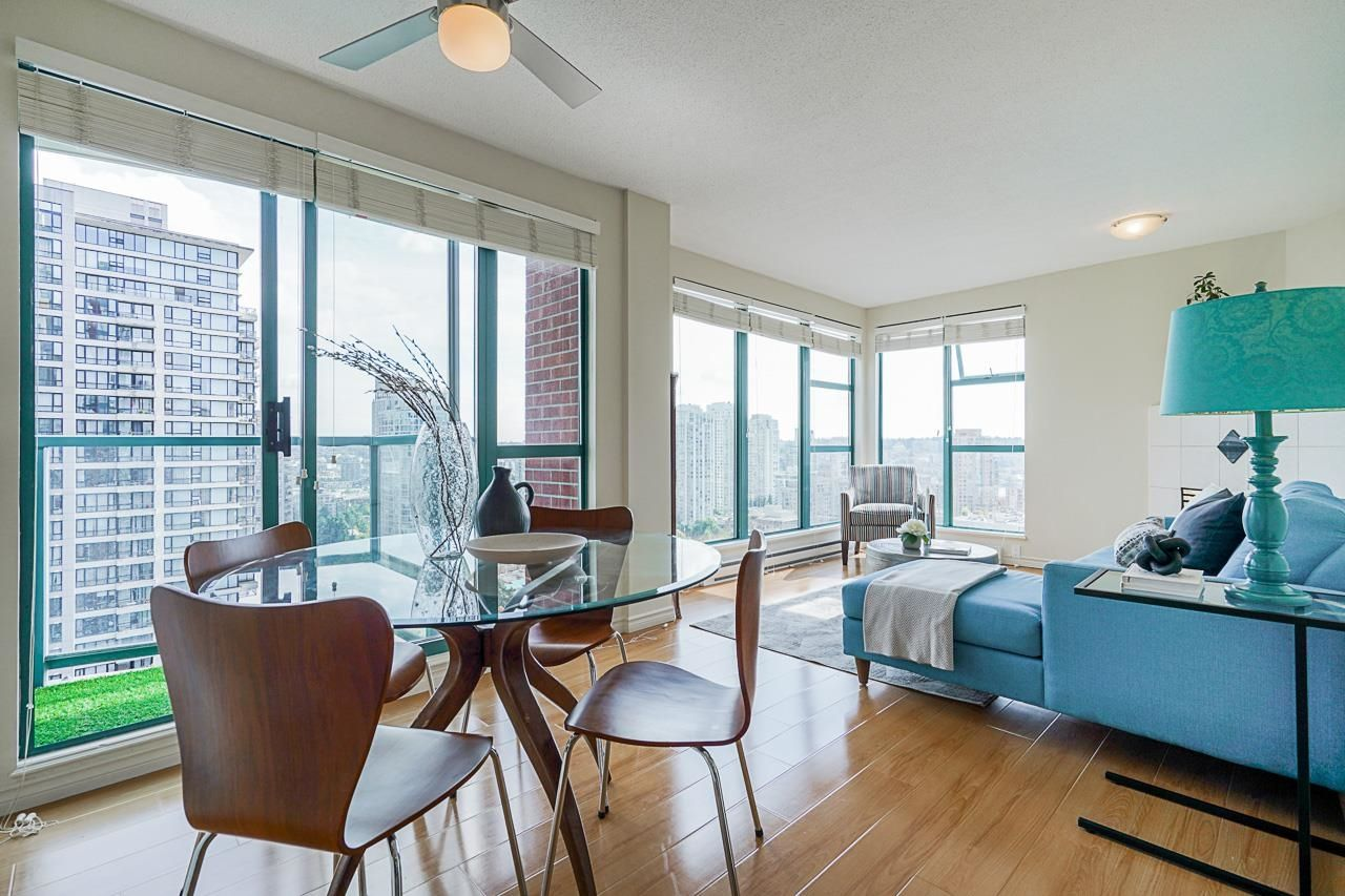 Main Photo: 2207 939 HOMER Street in Vancouver: Yaletown Condo for sale (Vancouver West)  : MLS®# R2617007