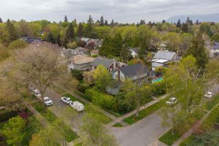 """Photo 2: 4275 SELKIRK Street in Vancouver: Shaughnessy House for sale in """"Shaughnessy"""" (Vancouver West)  : MLS®# R2574675"""