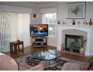 """Photo 6: 405 1725 128TH Street in White_Rock: Crescent Bch Ocean Pk. Condo for sale in """"Ocean Park Gardens"""" (South Surrey White Rock)  : MLS®# F2803525"""