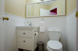 """Photo 5: 2309 RIVERWOOD Way in Vancouver: South Marine Townhouse for sale in """"Southshore"""" (Vancouver East)  : MLS®# R2410470"""