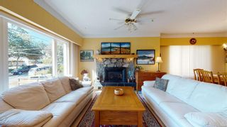 Photo 4: 2635 Mt. Stephen Ave in Victoria: Vi Oaklands House for sale : MLS®# 854898
