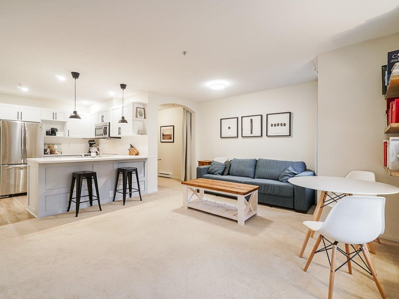 """Main Photo: 202 333 E 1ST Street in North Vancouver: Lower Lonsdale Condo for sale in """"Vista West"""" : MLS®# R2554651"""