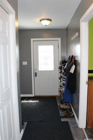 Photo 2: 726 Carbon Avenue in Bienfait: Residential for sale : MLS®# SK854540