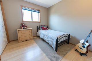Photo 14: 71 Braswell Bay in Winnipeg: Royalwood Residential for sale (2J)  : MLS®# 202110716