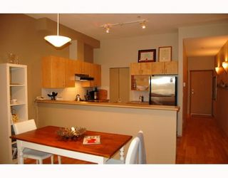 """Photo 5: 103 980 W 22ND Avenue in Vancouver: Cambie Condo for sale in """"SIMON LOFTS"""" (Vancouver West)  : MLS®# V785573"""