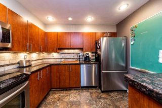 """Photo 9: 2201 33 CHESTERFIELD Place in North Vancouver: Lower Lonsdale Condo for sale in """"Harbourview Park"""" : MLS®# R2549622"""