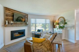 Photo 5: 6747 71 Street NW in Calgary: Silver Springs Detached for sale : MLS®# A1149158