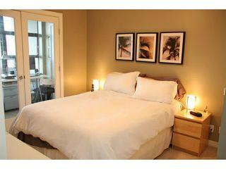 """Photo 7: 708 5380 OBEN Street in Vancouver: Collingwood VE Condo for sale in """"URBA"""" (Vancouver East)  : MLS®# V954538"""