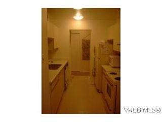 Photo 7: 102 1619 Morrison St in VICTORIA: Vi Jubilee Condo for sale (Victoria)  : MLS®# 327761