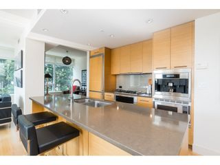 "Photo 13: 702 15152 RUSSELL Avenue: White Rock Condo for sale in ""Miramar"" (South Surrey White Rock)  : MLS®# R2504973"